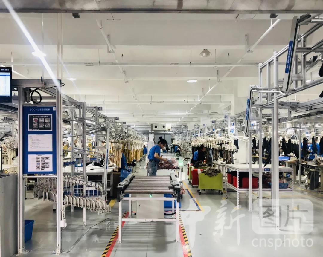 阿里犀牛智造工厂揭幕 进军智能服装制造业_图1-4