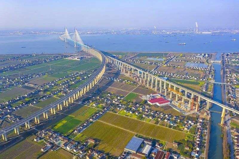 中国高铁八纵八横已建七成