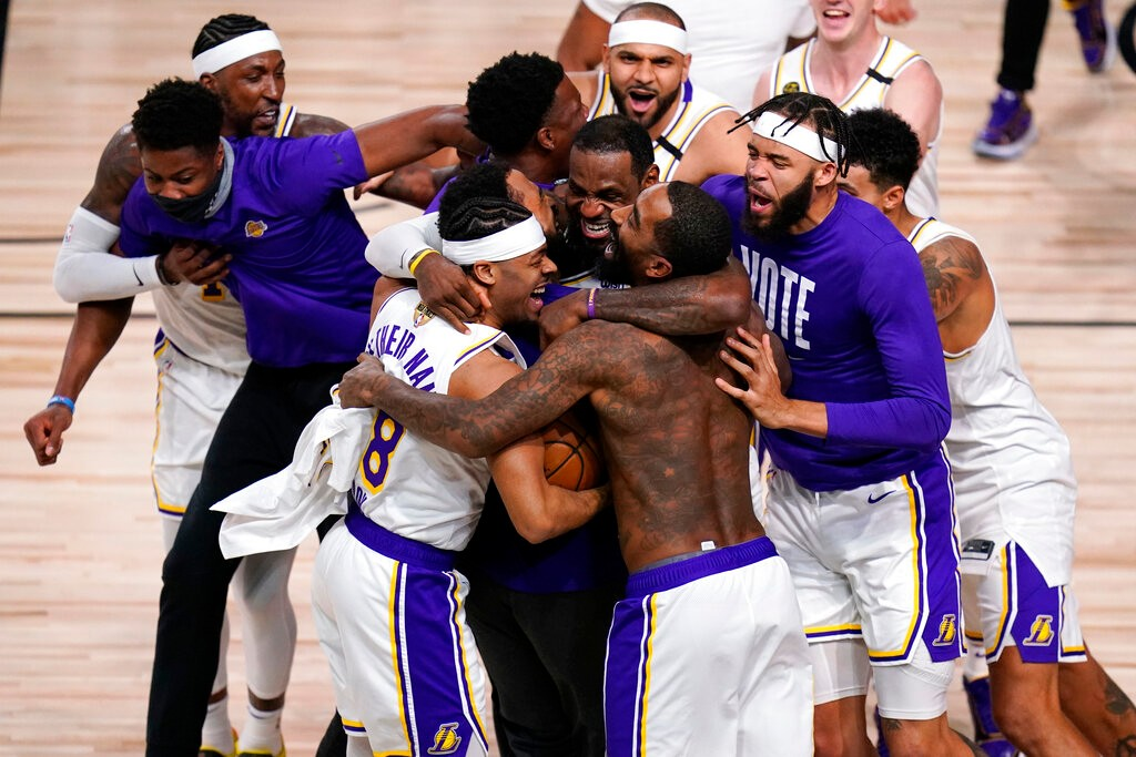 湖人时隔十年终夺冠 17座奖杯登NBA历史第一_图1-1
