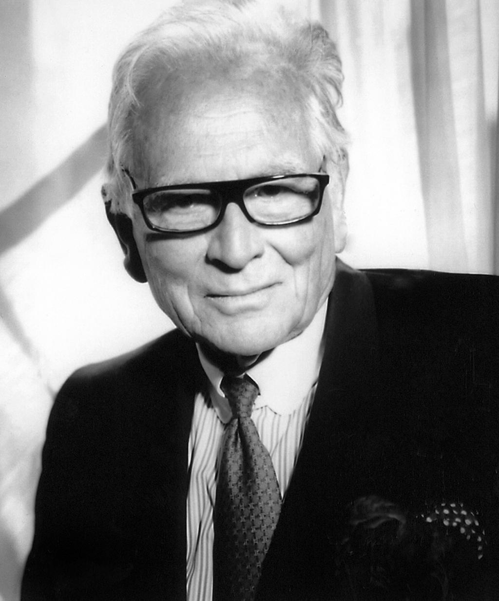 法籍服装设计师皮尔・卡丹去世 终年98岁_图1-1