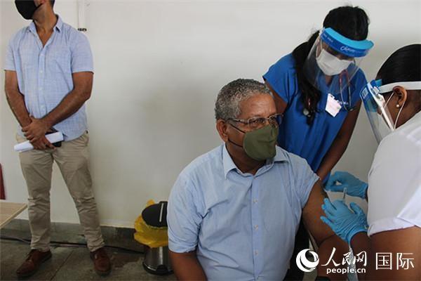 塞舌尔总统接种中国国药集团新冠肺炎疫苗_图1-1