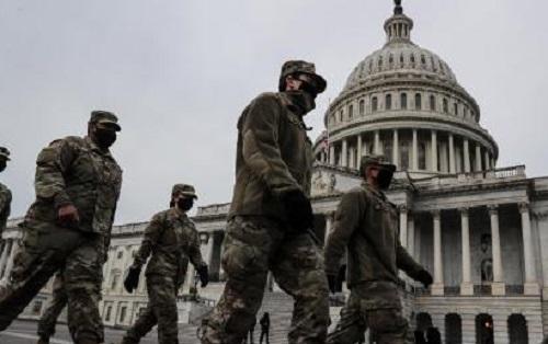 国民警卫队赶往国会大厦