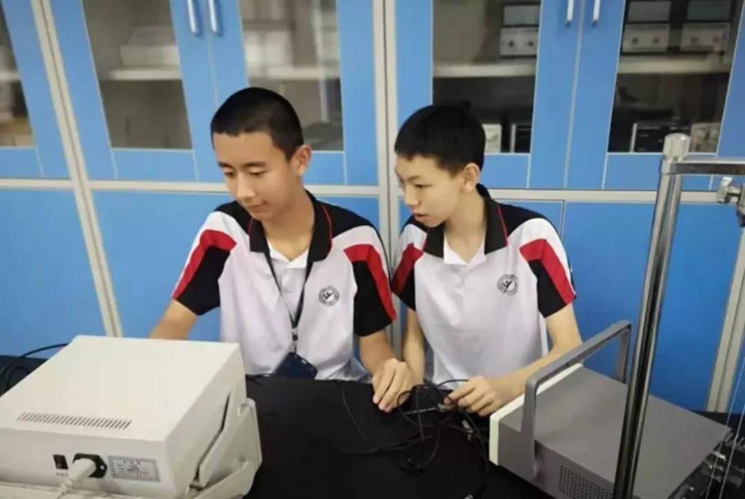 14岁上清华 两少年引中国网友称赞:别人家的孩子_图1-4