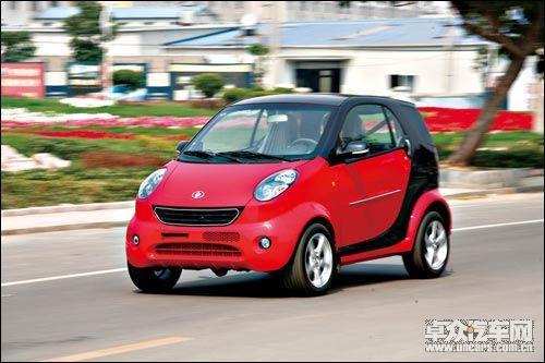 奔驰smart 双环小贵族的外形与奔驰smart非常相似,同样采用高清图片