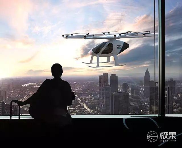 全球首款飞行汽车问世!按下按钮就能自动飞上天