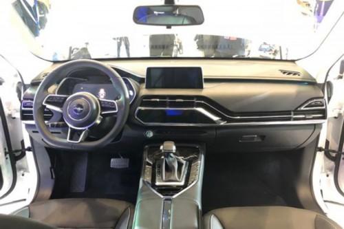 成都车展:众泰T500六座版预售8-12万