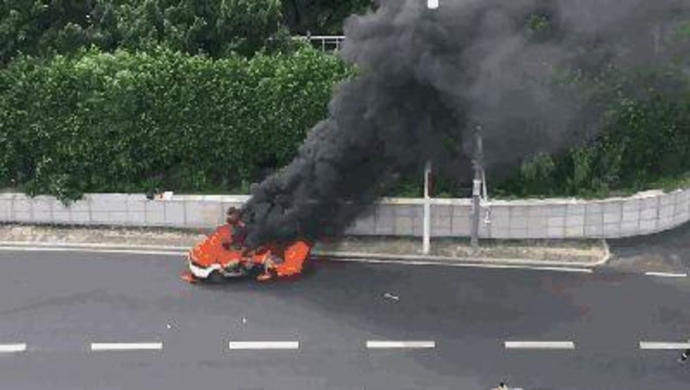 """特斯拉再次起火,全球电动车都为""""燃烧""""头疼"""